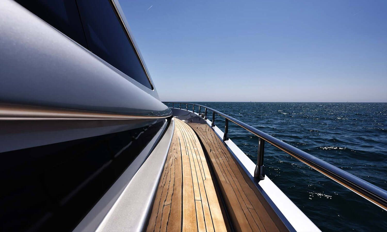 yacht rental dubai 4